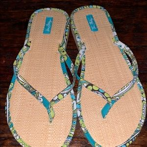 VERA BRADLEY flip flops PEACOCK